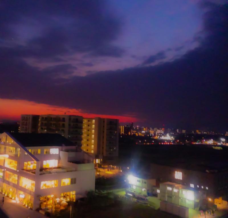夕暮れの街